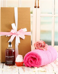 gifts: Revitalise Pamper Hamper!
