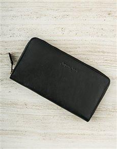 gifts: Jinger Jack Jordan Black Leather Purse!