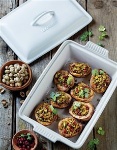 gifts: Le Creuset Baking Dish!