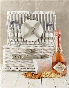 gifts: La Vallee Rose Picnic Basket!