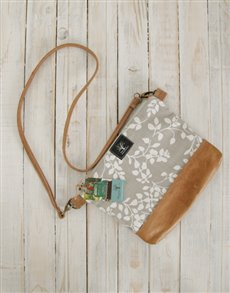 gifts: Peppertree Leaflet Latte Sling Bag!