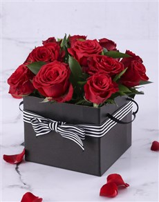 gifts: Red Roses in a Black Gift Box!