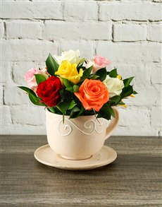 flowers: Mixed Roses in a Teacup!