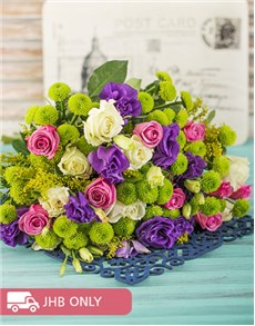 flowers: Colourful Bouquet of Roses!