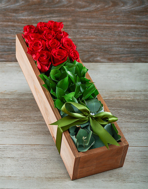 roses: Love Me Tender Red Rose Box!