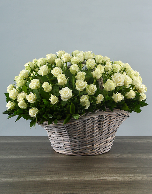 colour: 100 White Roses in a Basket!