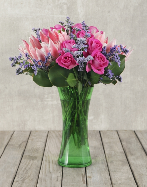 proteas: King Proteas and Roses in Green Flair Vase!