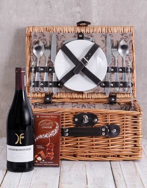 gourmet: Pinotage and Lindt Picnic Basket!