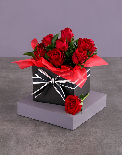 valentines-day: Striped Red Rose Box!