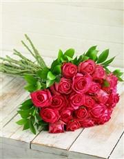A variation of 12, 24, 36 or 48 pink cerise roses
