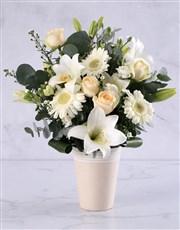 Elegant Cream Flower Arrangement