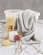This elegant piece resembles friendship or romanti