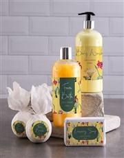 Bath And Body Vanilla Dream  Gift Hamper