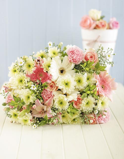 secretarys-day: Pastel Flower Bouquet!