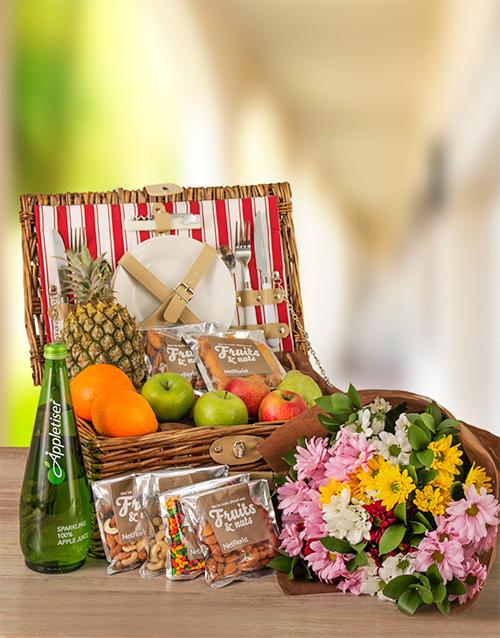 gourmet: Fruit Nuts And Beautiful Sprays Picnic Basket!