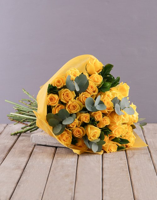 flowers: Yellow Roses Bouquet!