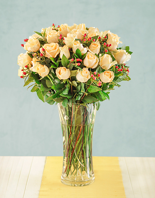 flowers: Cream Roses with Hypericum in Vase!
