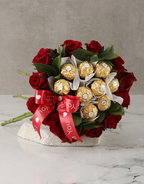 anniversary: Red Roses and Ferrero Bouquet!