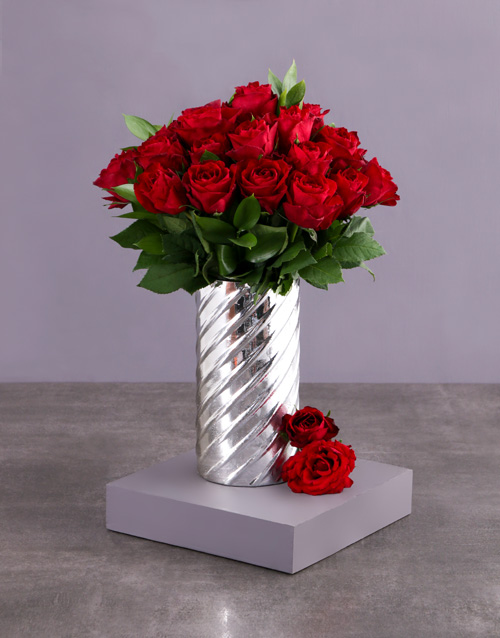 coloured-vases: Red Rose Silver Fairy Tale!