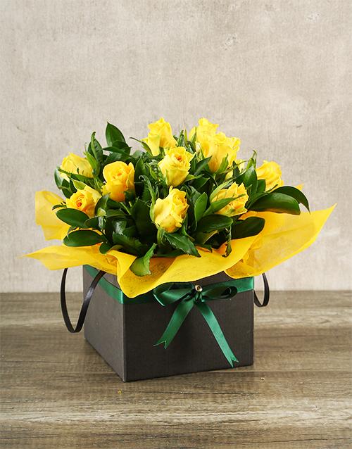 anniversary: Yellow Roses in Boxed Handbag!