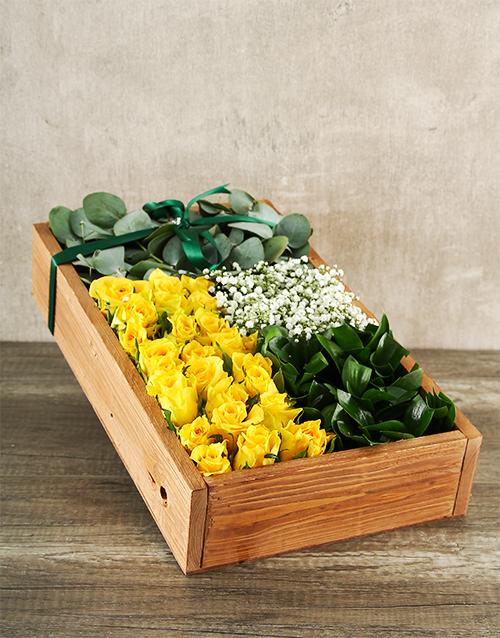 anniversary: Elegant Yellow Rose Box!