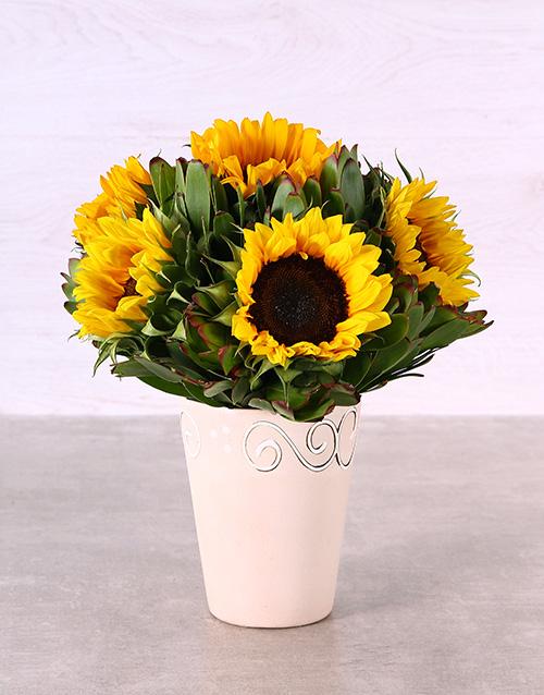 colour: Ceramic Pot of Sunflowers!
