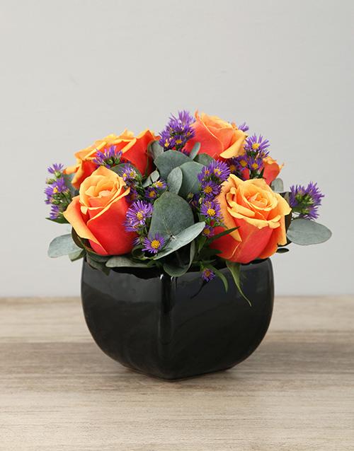 friendship: Cherry Brandy Roses in Black Glazed Vase!