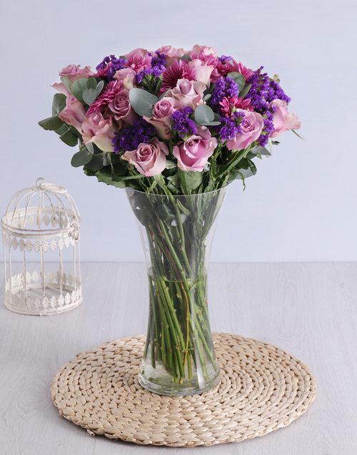 house-warming: Roses & Sprays in Clear Flair Vase!