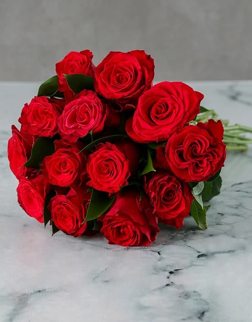 love-and-romance: Bunch Of Red Roses in Craft Paper!