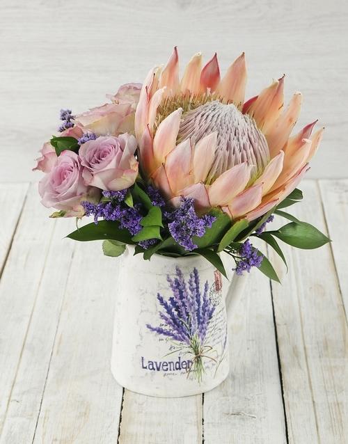 colour: King Protea and Rose Jug!
