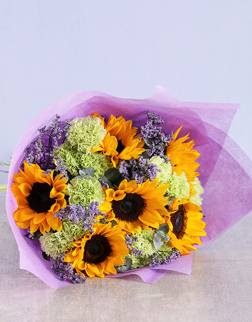 colour: Sunflower and Carnation Bouquet!