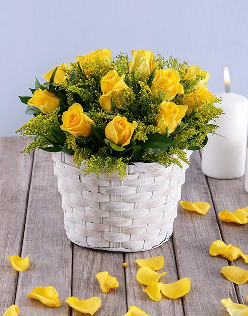 basket: Petite Yellow Rose Basket!