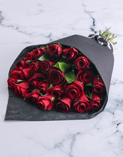 anniversary: Seductive Red Roses!
