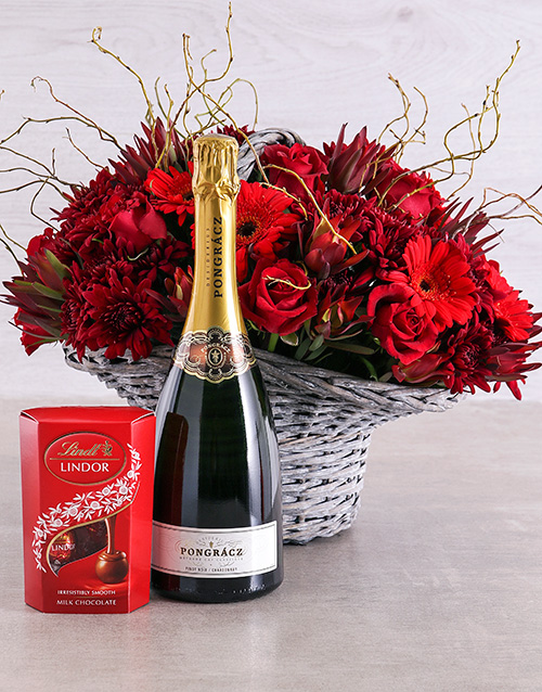 colour: Splendid Rose, Pongracz and Lindt Hamper!
