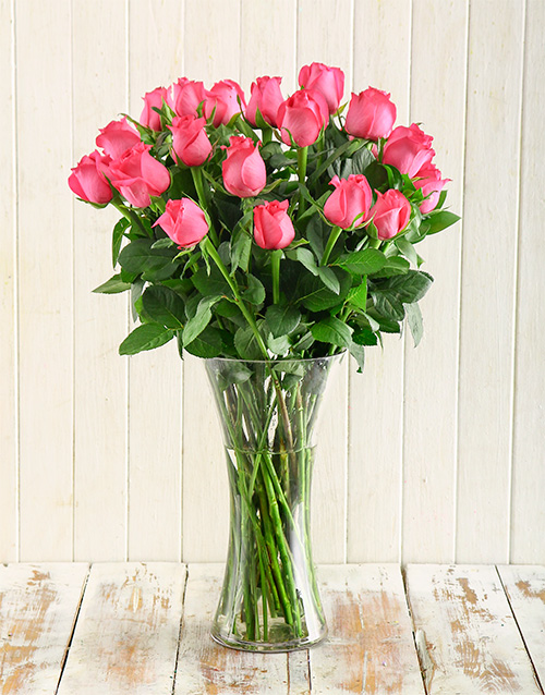 engagement: Cerise Roses in a Vase!