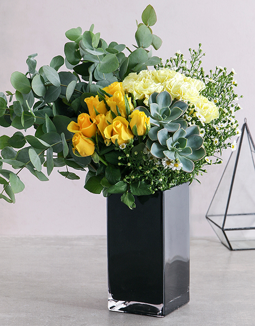 anniversary: Mixed Floral in Black Vase!