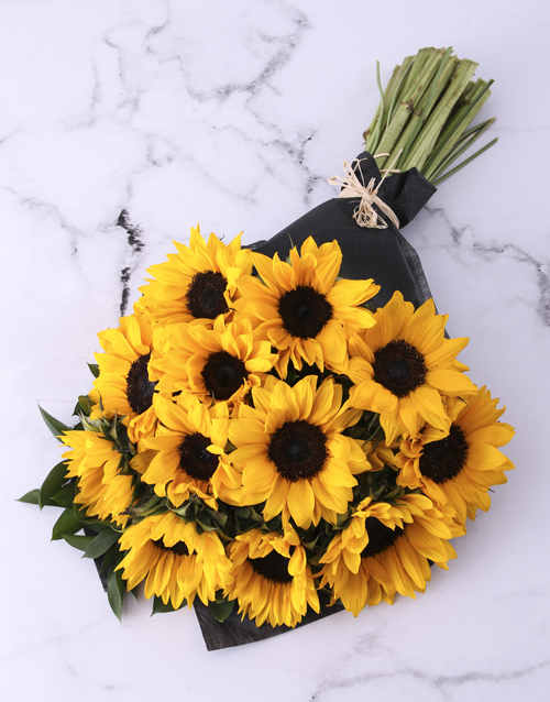 bosses-day: Sunflower Bouquet Wrapped In Black!