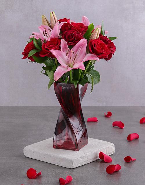vase: Red Rose and Pink Bloom Arrangement!