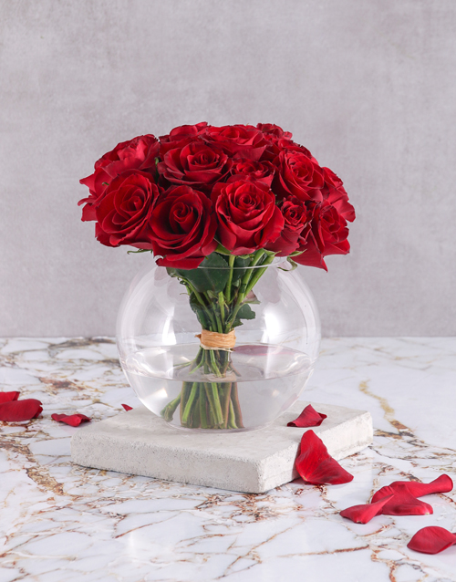 colour: Red Rose Bouquet in Round Vase!