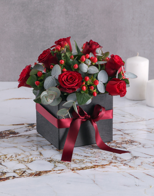 christmas: Hypericum and Red Rose Box!