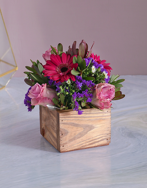 friendship: Lilac Florals in a Wooden Crate!