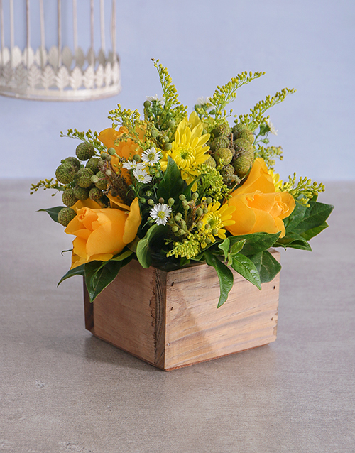 easter: Gold Florals in a Wooden Crate!