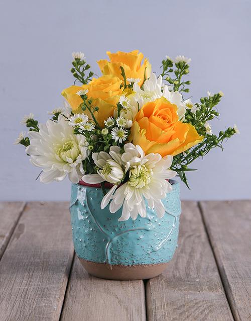 mixed: Yellow and White Elegant Pot Arrangement!