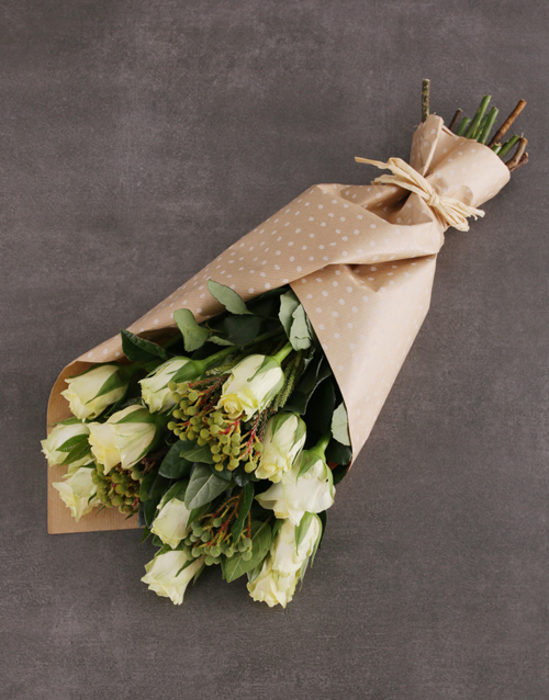 anniversary: Charming Cream Rose Bouquet!