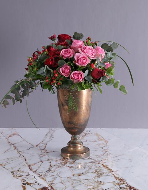 colour: Dramatic Rose Doha Arrangement!