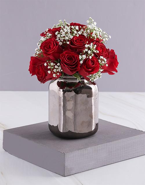 anniversary: Tender Red Roses In Bronze Vase!