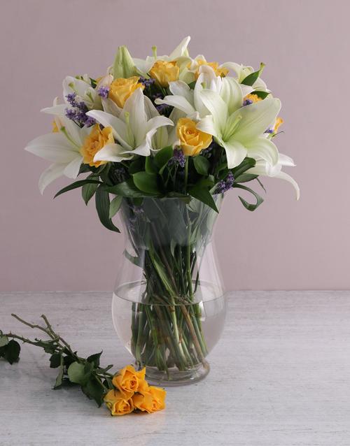 easter: Floral Elegance In A Hurricane Vase!