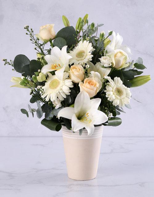 bosses-day: Elegant Cream Flower Arrangement!