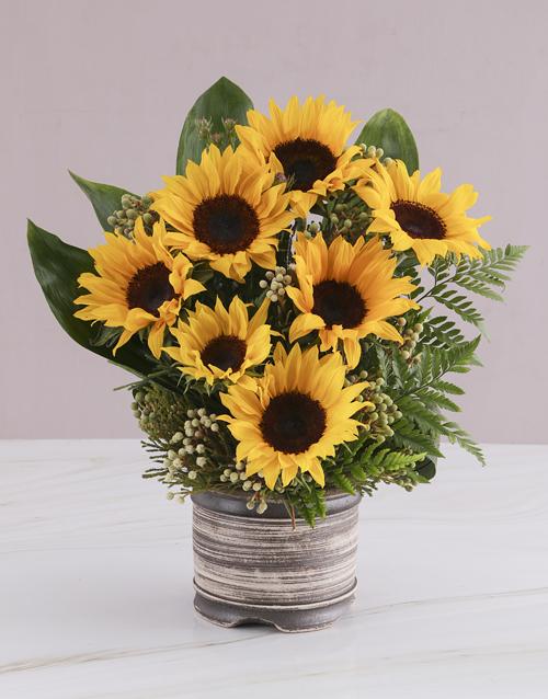 colour: Waterfall Sunflower Arrangement!