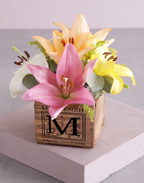 christmas: Personalised Wooden Box of Mixed Lilies!